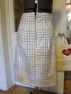 Jersey Pencil Skirt DIY {Skirts} - Merrick's Art // Style