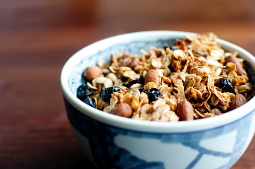 Almond Coconut Granola | When I have a complete kitchen, I shall cook ...