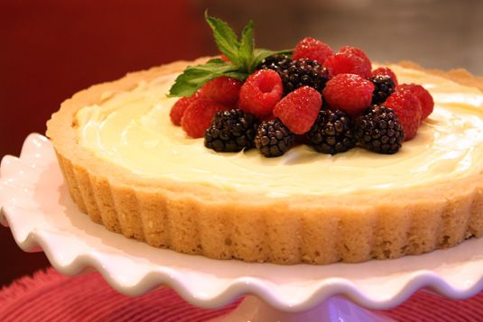 Berry Lemonade Tart – Luscious and creamy, this simple and sunny ...