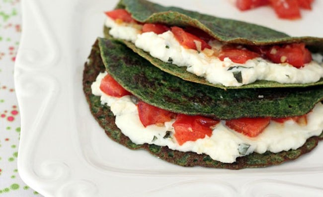 Daily Dinner Idea: Spinach Crepes with Ricotta, Tomatoes and Basil