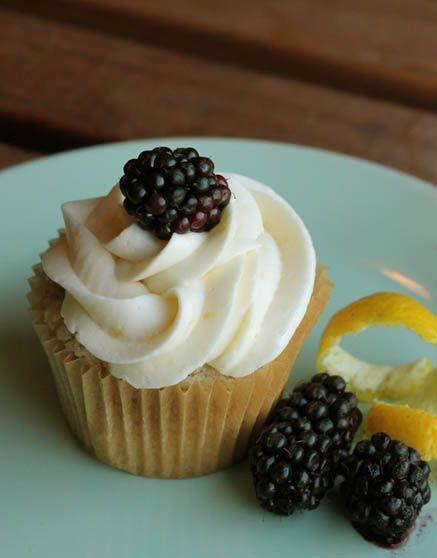 Gluten-free, Vegan Lemon Blackberry Cupcakes | gluten free | Pinterest