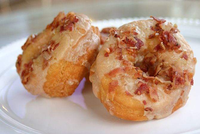 Maple bacon donuts | food : BACON | Pinterest