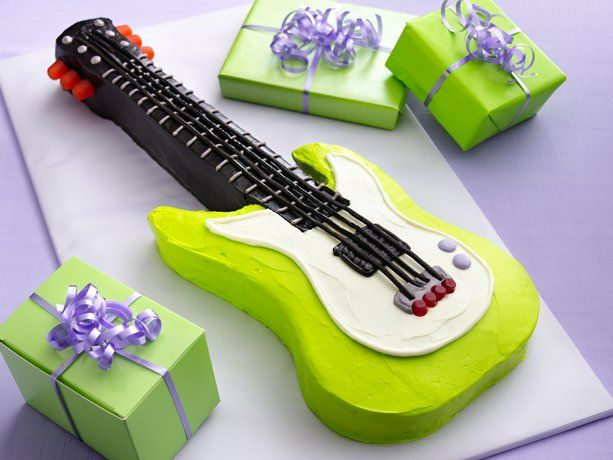 guitar cake but in hot pink