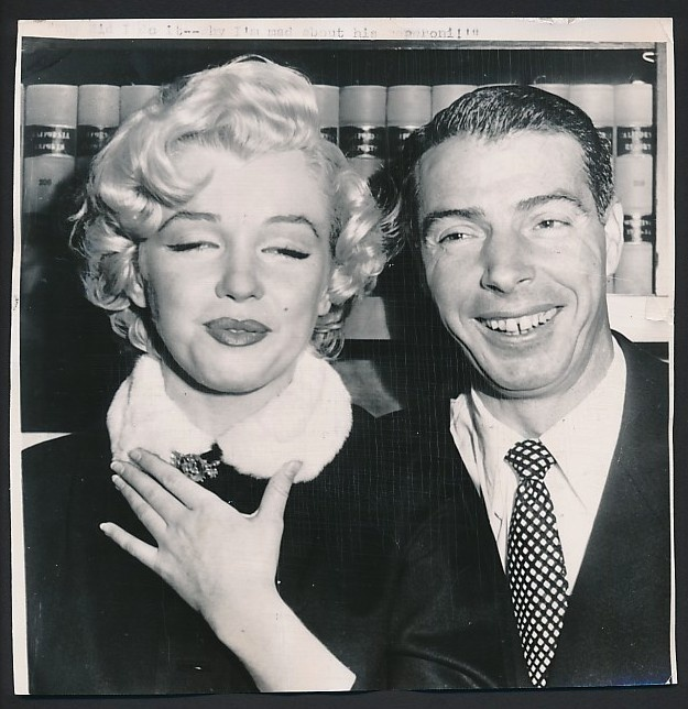 Marilyn Monroe And Joe Dimaggio Wedding