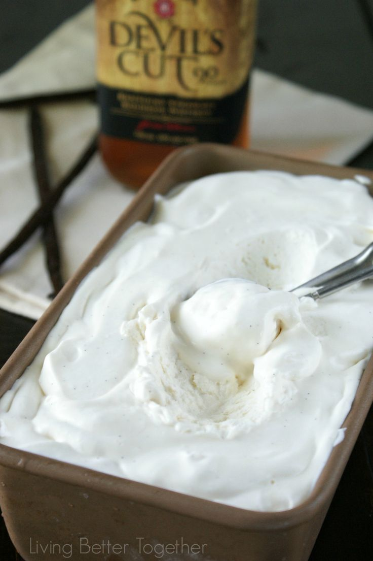 Bourbon & Vanilla Bean No Churn Ice Cream | www.livingbettertogether ...