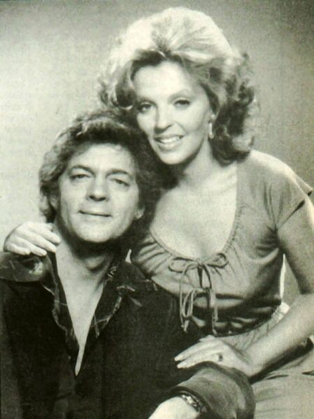 Julie Williams (née Olson; previously Banning and Anderson) is an original fictional character and member of the Horton family on the NBC daytime drama, Days of Our Lives, a long running serial about working class life in the fictional town of salestopp1se.gqyed by: Susan Seaforth Hayes (—), (and others).
