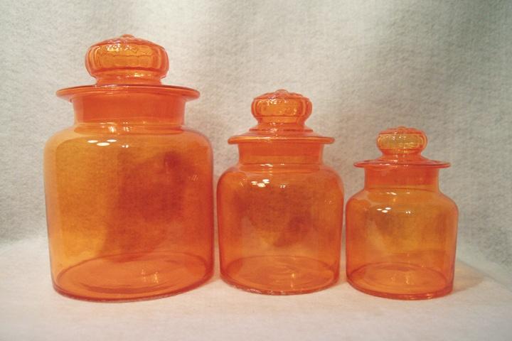 Pin by ruby blevins on vintage kitchen accessories pinterest for Kitchen set orange