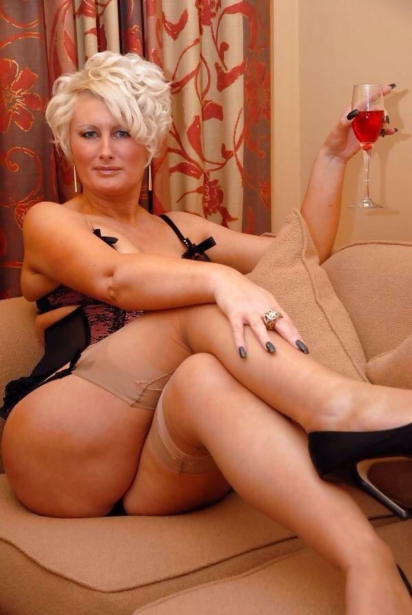 mature porn sex movies New Matures - Free Older Women Porn.