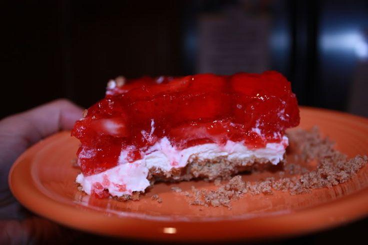 Strawberry Pretzel Squares   Delicioso   Pinterest