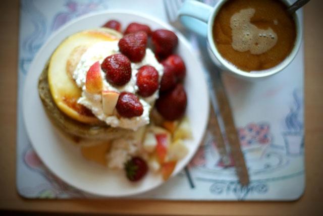 rye apple pancakes + vanilla cottage cheese + strawberries
