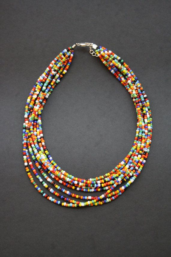 Indian beaded jewelry : Indian seed bead necklace