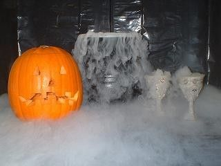 Where to buy dry ice for your halloween party in manhattan and how to