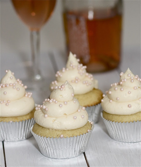 Champagne Cupcakes!!! | Decadent Deserts | Pinterest