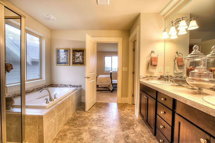 Explore zillow digs for Zillow bathrooms