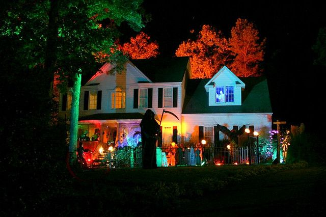 Backyard Haunted House Ideas : yard haunts  Front Yard Haunt  Flickr  Photo Sharing!