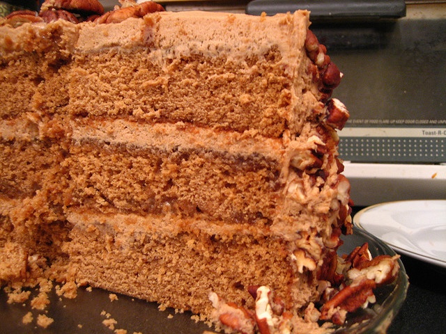 Butterscotch Pecan Cake by jensteele on Flickr (cc)