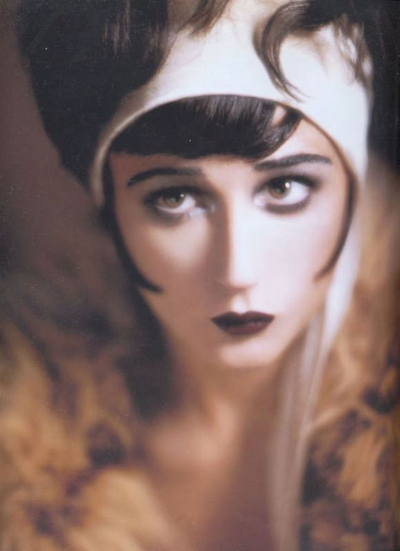 1920s makeup-even here we have some darkness to the eyes but its not ...