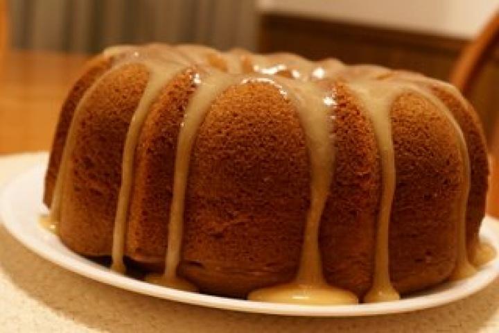 Irish cream bundt cake | Cook It Like It's Hot | Pinterest