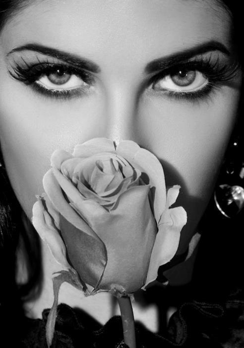 Amazing eyes....beautiful photo
