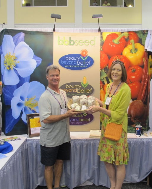 Mike Wade of @BBBSeed and @HelenYoest of gardeningwithconfidence.com Serving up Authentic Haven Brand #IGC11