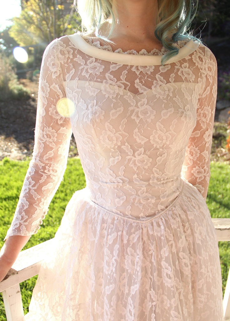 Vintage 50s Lace Wedding Dress Long Sleeved Bridal Gown XS
