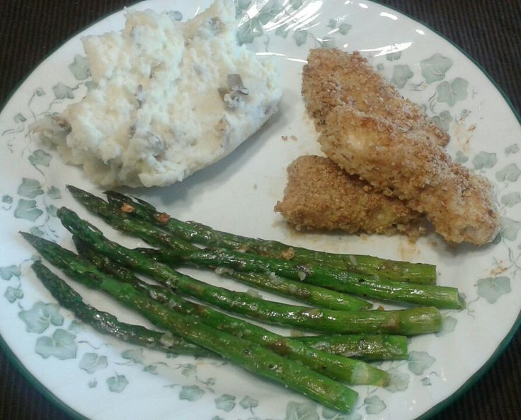 Almond crusted Parmesan chicken with garlic roasted asparagus and ...