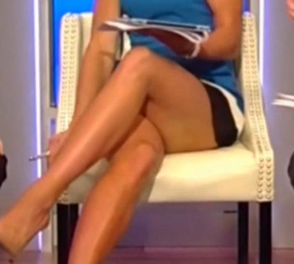 Elisabeth Hasselbeck hot legsElisabeth Hasselbeck Leg Cross