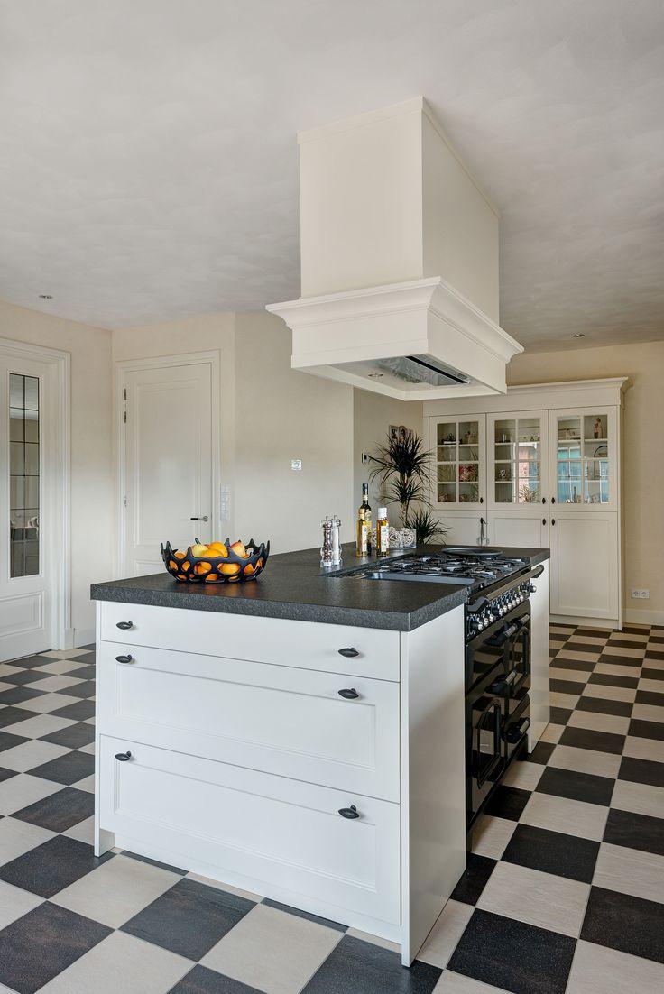Keuken Grijs Groen : VRI interieur landelijke keuken modern wit en grijs met houten laden