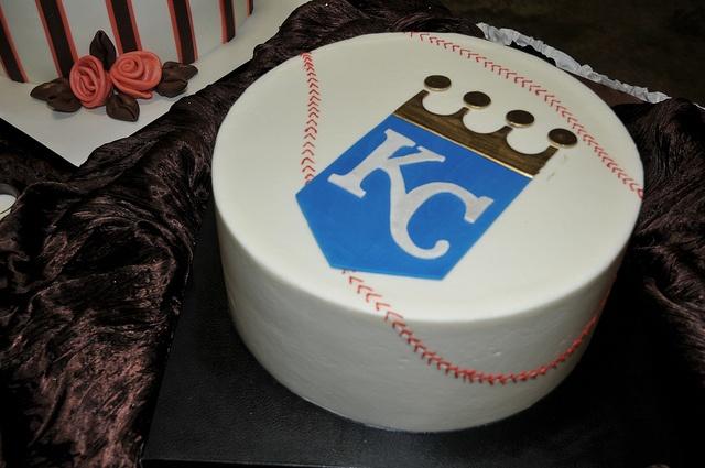 kc royals cake