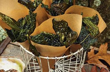 Kale Crisps with Sea Salt and Lemon | Nom Nom Nom | Pinterest