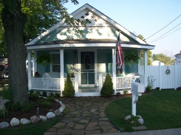 Beach cottage porch my retirement home pinterest for Beach front cottage