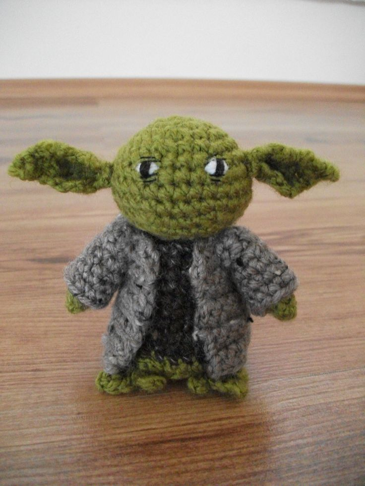 Crochet Patterns Yoda : Yoda . ?CQ #crochet #crafts #DIY. Yoda Pinterest
