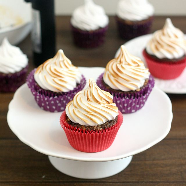Chocolate Graham Cracker Cupcakes with Toasted Marshmallow Frosting by ...