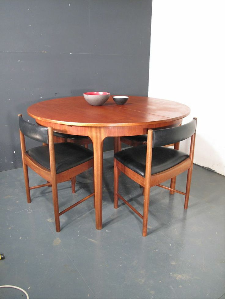 Mcintosh teak dining table and chairs danish retro 60s for Retro dining table and chairs