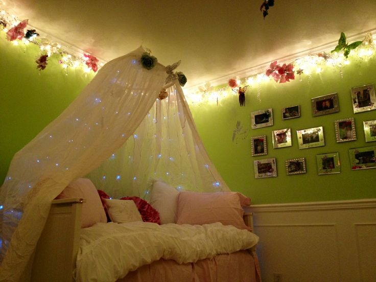 fairy room love twinkle lights little girls room pinterest. Black Bedroom Furniture Sets. Home Design Ideas