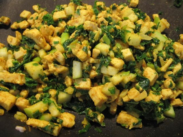 Curry Chicken, Kale and Green Apple Manapua | Recipe