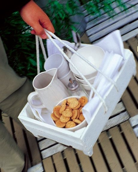 Fun serving tray for spontaneous meals on the porch or such