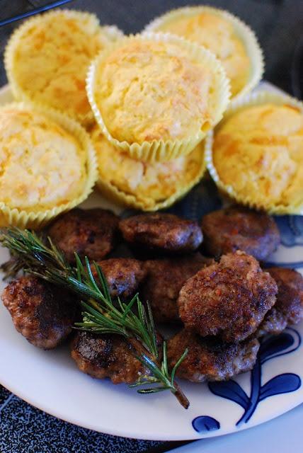 Cheddar Corn Bread Muffins & Rosemary-Sage Sausage Bites....best ...