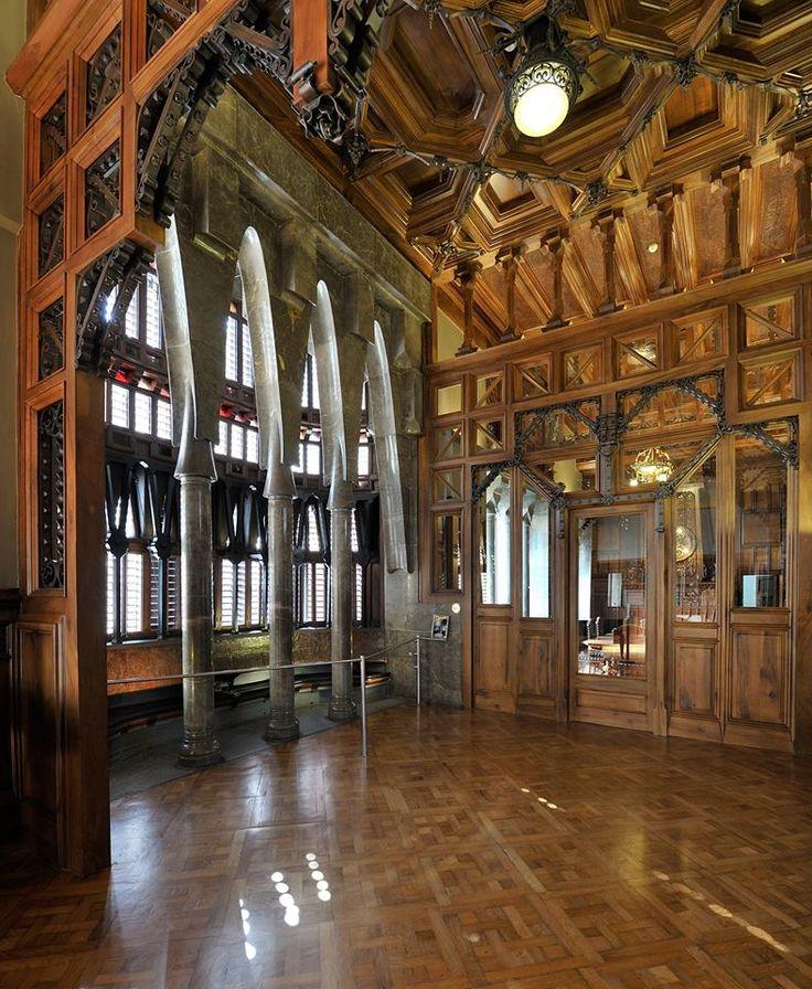 palau güell  Antonio Gaudi  Pinterest