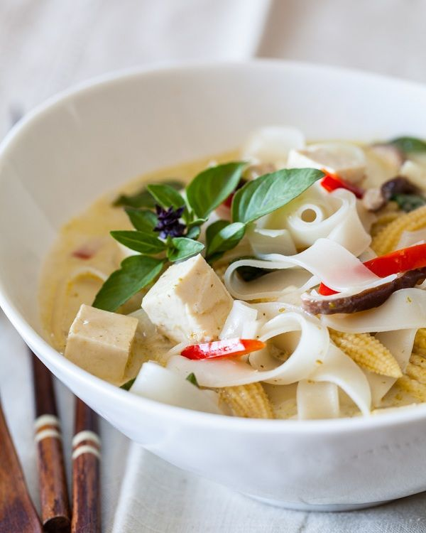 spicy thai vegetable soup for the soul spicy thai curry noodle soup2 ...