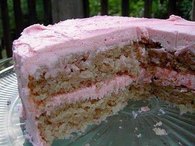 Vegan Thyme: Vegan Strawberry Cake with Yummy Pink Buttercream ...