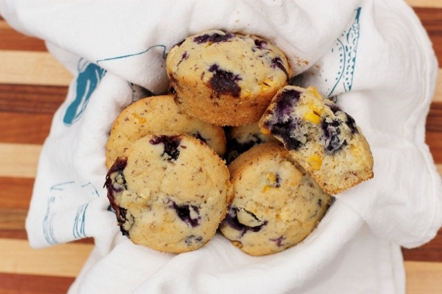 FRESH BLUEBERRY CORN MUFFINS. | Recipes to try | Pinterest