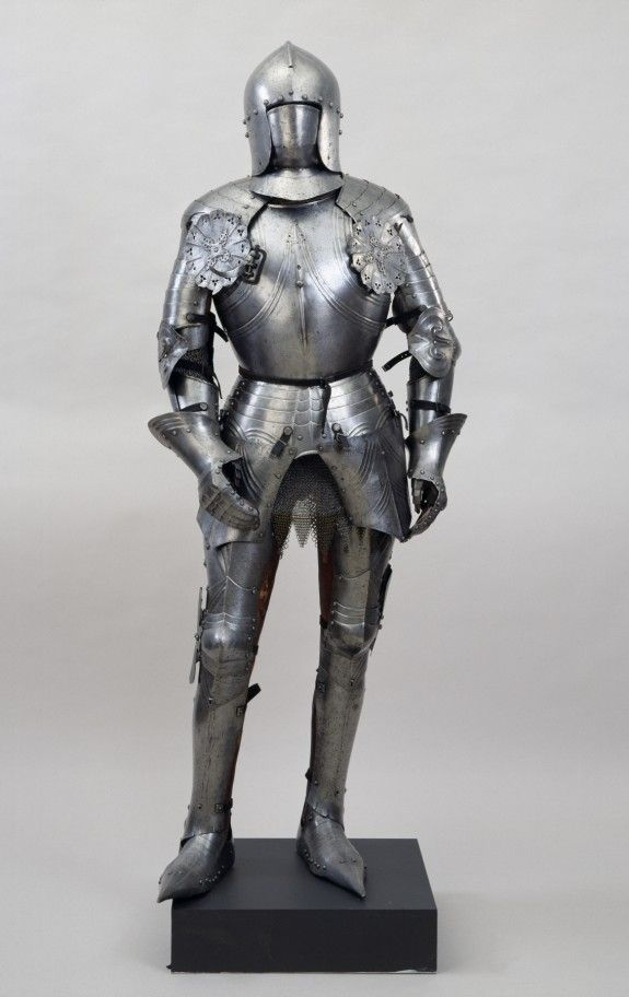 suit of armor for an adult maleMedieval Knights Armor Facts
