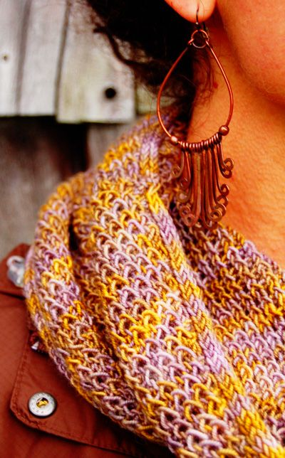 ... anoth- aaaagh I gotta knit this now!! Sallah cowl : Knitty Winter 2012