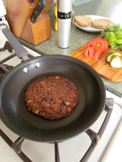 Black Bean Veggie Burgers   Yummy Vegan/Vegetarian Food ...