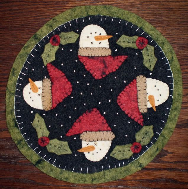 Pattern Penny Rug Candle Mat Snowmen Amp Holly Wool Easy
