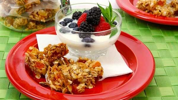 Tropical Granola Clusters with Brazil Nuts