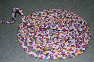 Recycled T-Shirt Crochet Rug   AllFreeCrochet.com