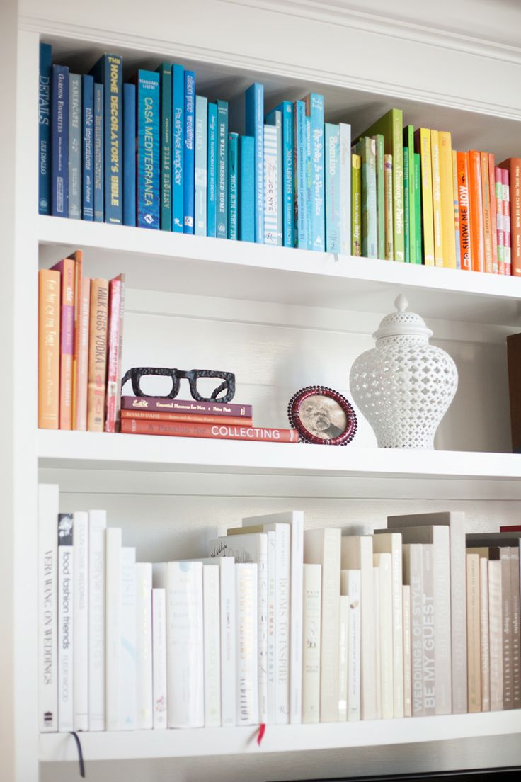 easy decorating ideas colorcode book shelves The Fashion Co