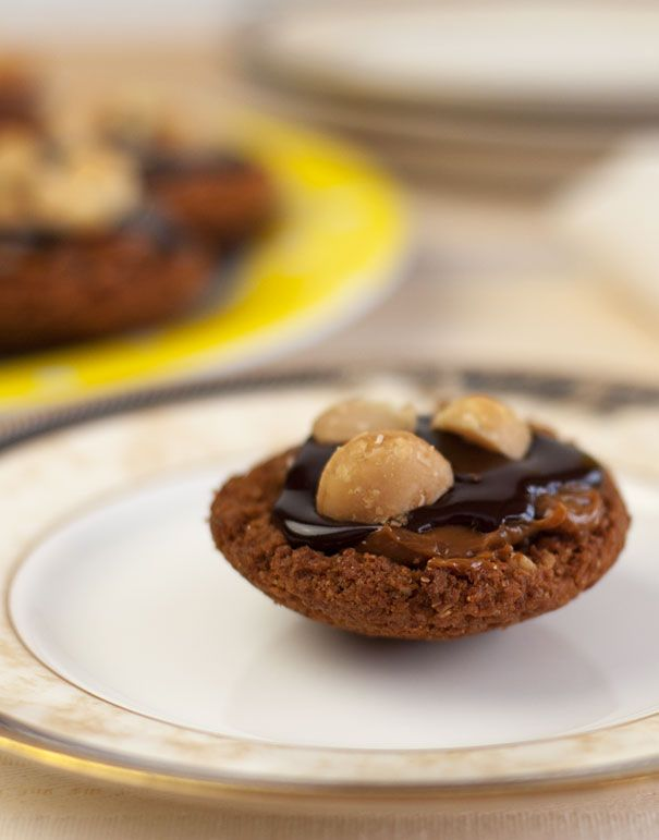 Little Caramel Tarts with Chocolate Ganache and Macadamia Nuts   Reci ...